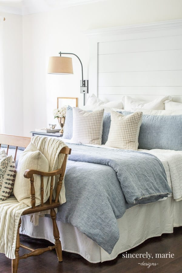 Welcome Home Suday: 3 Ways to make a pretty comfy bed.