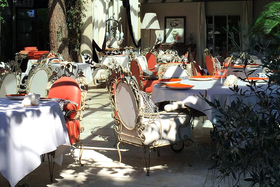 Villa Marie Saint-Tropez restaurant decor