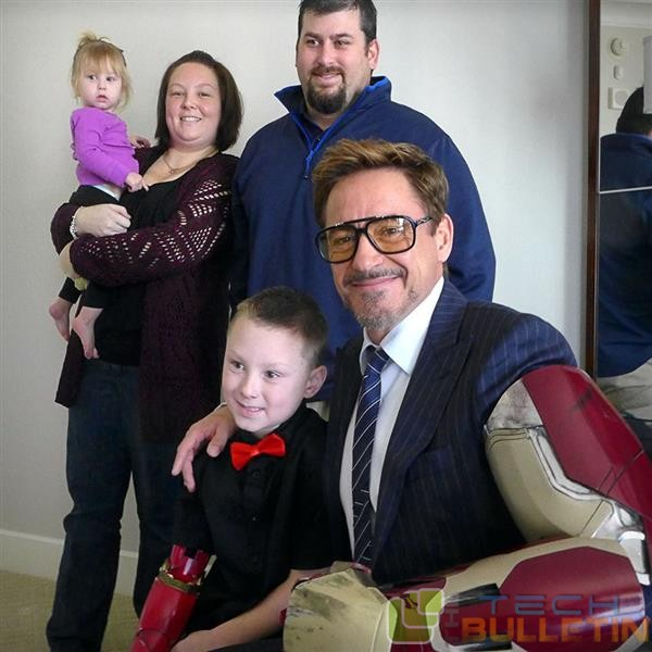 watch-tony-stark-delivers-real-3d-printed-iron-man-prosthetic-arm-to-seven-year-old-fan3