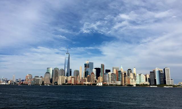 solo backpacking New York City - Manhattan Skyline