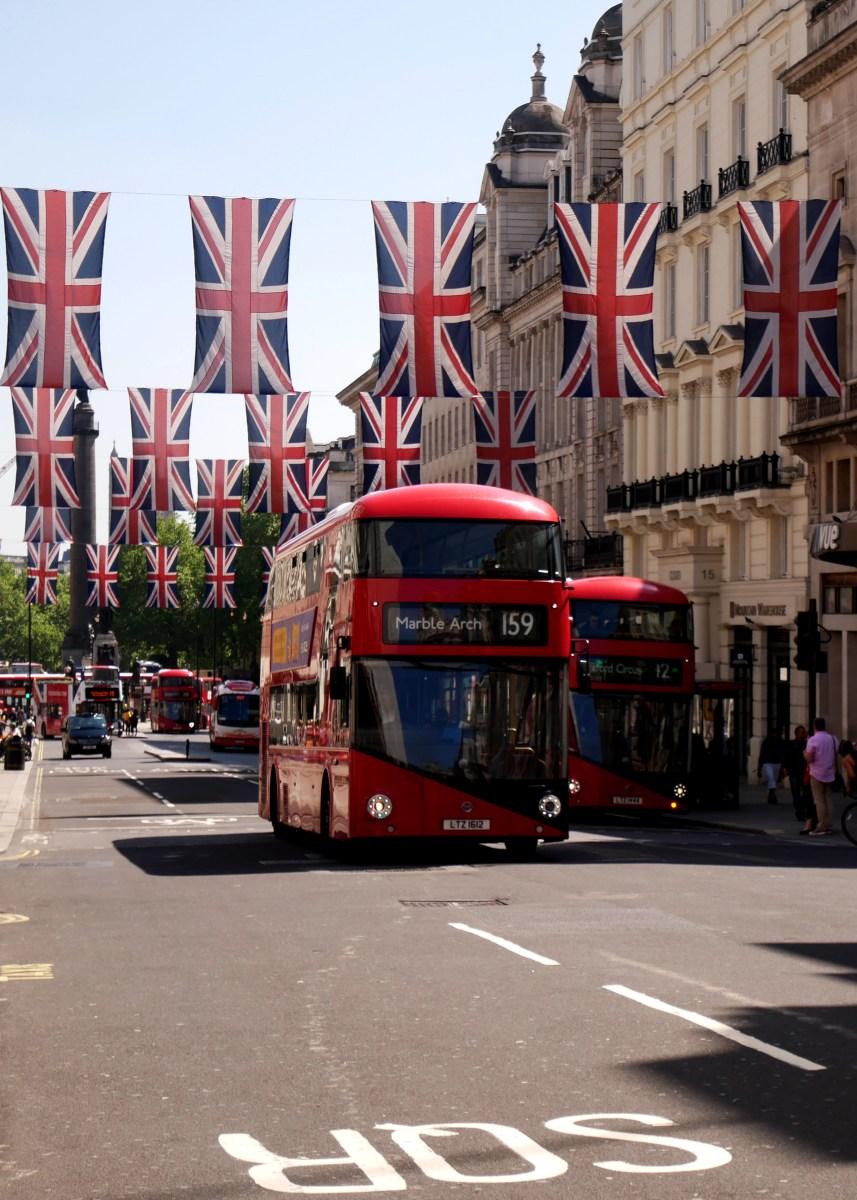 Visit London, Stonehenge and Edinburgh on a budget