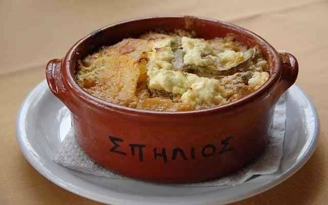 Tavern Spilios: An authentic Cretan cuisine. (Moussaka)