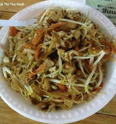 A-dish-of-pad-Thai-traditional-food-in-thailand-for-tourists