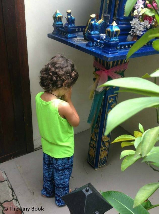 "Traveling Kids in Thailand: ""Fede, what are you doing?"" ""I'm just praying, mom. Praying for I always want to be together with my favorite family."""