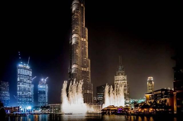 Dubai Fountain Show. dubai sightseeing. sightseeing in dubai