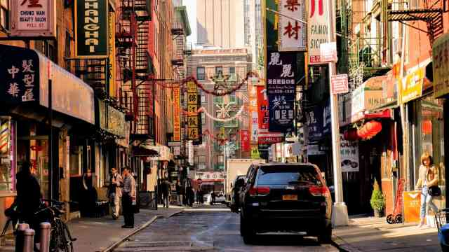 Chinatown in NYC - one of the coolest things to do in nyc