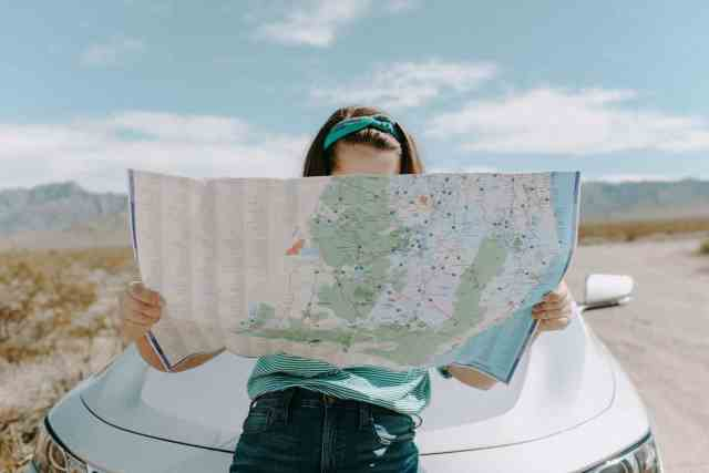 Want to know how to plan road trip? mapping a road trip using navigation apps. plan my road trip with google maps
