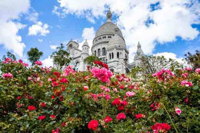 Sacre Coeur is one of the best places to visit in paris and things do in paris
