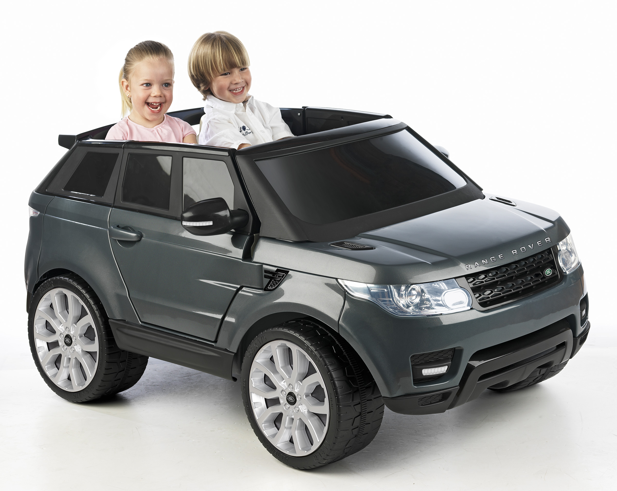 Famosa Releases New Range Rover Ride The Toy Insider