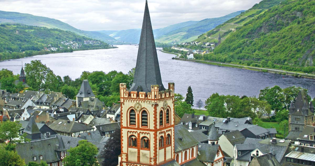 Uniworld_Castles_Along_Rhine_Bacharach_cruise
