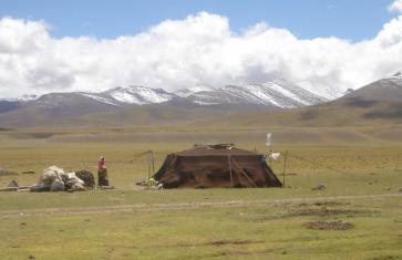 Pastoral nomads camping near Namtso. Source: Wikipedia