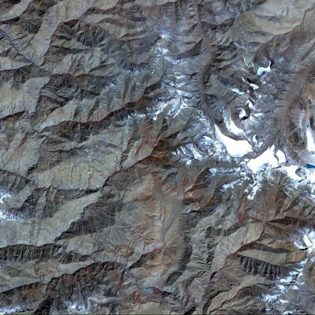 Tibetan Plateau Glaciers from Space