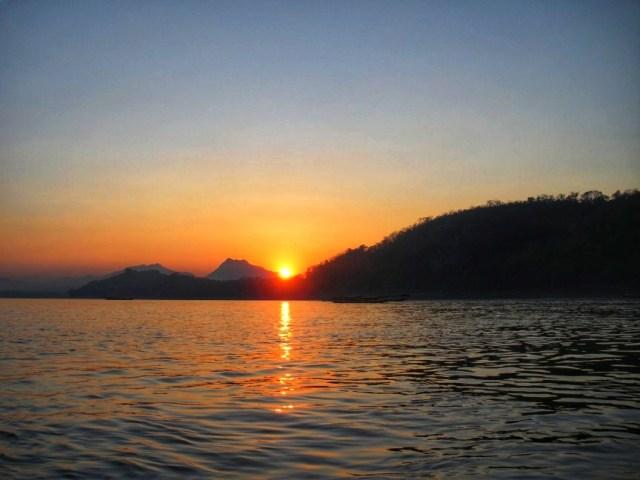 amazing sunset luang prabang