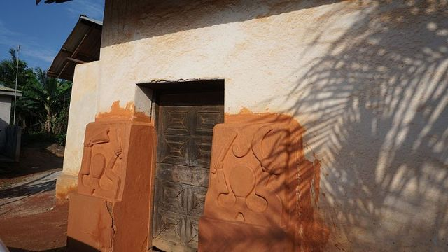 UNESCO World Heritage Sites in Ghana include this Asante traditional building
