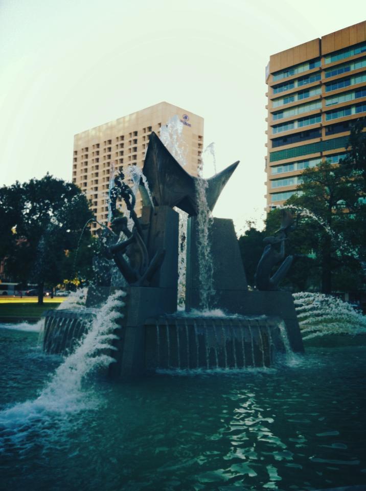 Fountain in Victoria Square