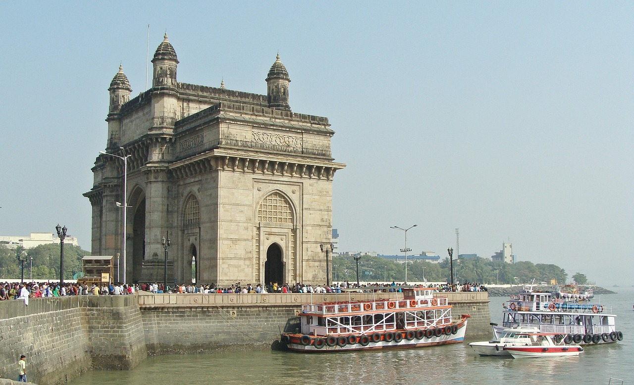 Gateway of India monument, Mumbai  The Magical Mumbai (Bombay) – what is there to see gateway of india mumbai