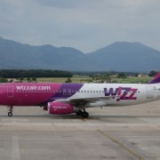 Wizz Air caută piloți și le face program de training