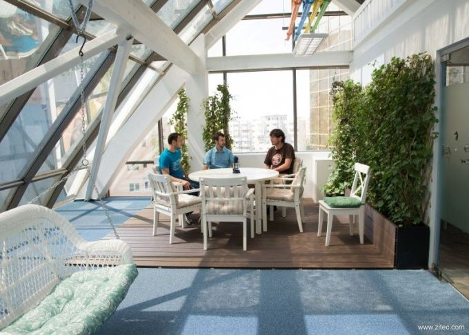 Zitec-hq-deck-terrace