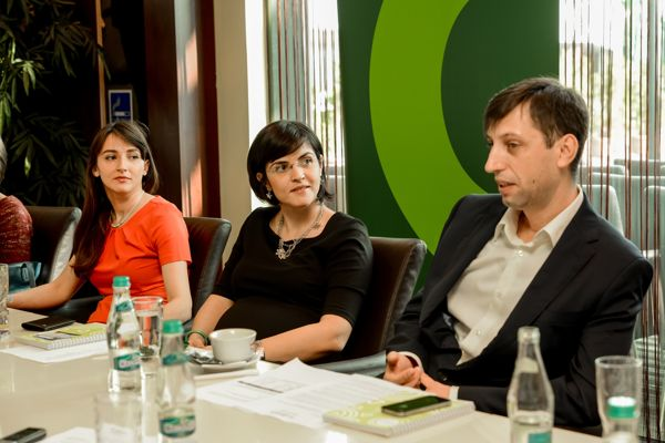 Irina Irimie, Deputy Center Manager, Luiza Moraru, Head of Retail and Asset Services CBRE Romania, Vicențiu Spătaru,  Shopping Center Manager,