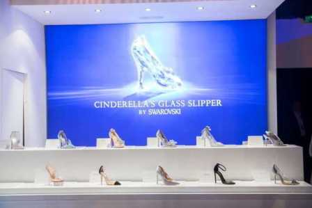 Cinderella_ShoeReveal__(3)