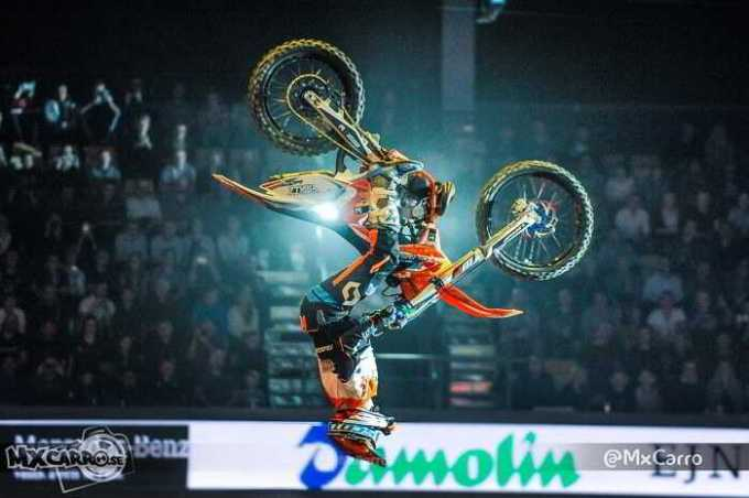 FMX4EVER 151803_