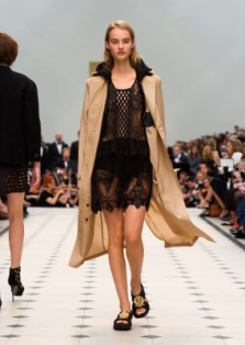 Burberry Womenswear S_S16 Collection - Look 4