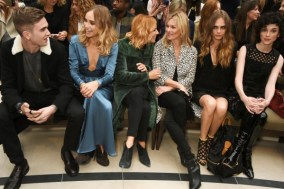 LONDON, ENGLAND - SEPTEMBER 21: (L to R) Gabriel-Kane Day-Lewis, Suki Waterhouse, Sienna Miller, Kate Moss, Cara Delevingne and St Vincent attend the Burberry Womenswear Spring/Summer 2016 show during London Fashion Week at Kensington Gardens on September 21, 2015 in London, England. (Photo by David M. Benett/Dave Benett/Getty Images for Burberry) *** Local Caption *** Gabriel-Kane Day-Lewis;Suki Waterhouse;Sienna Miller;Kate Moss;Cara Delevingne;St Vincent