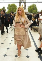 LONDON, ENGLAND - SEPTEMBER 21: Paloma Faith attends the Burberry Womenswear Spring/Summer 2016 show during London Fashion Week at Kensington Gardens on September 21, 2015 in London, England. (Photo by David M. Benett/Dave Benett/Getty Images for Burberry) *** Local Caption *** Paloma Faith