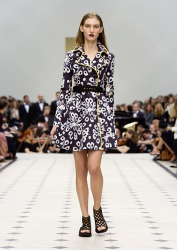 Burberry Womenswear S_S16 Collection - Look 28
