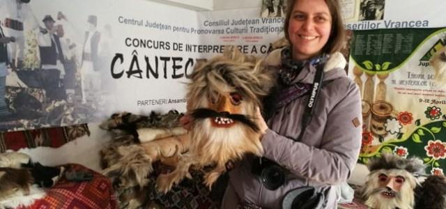 Măștile tradiționale de la Nereju, cercetate de un scenografdin Paris