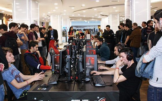 ASUS organizează cel mai lung turneu offline de gaming din România în Plaza Mall București