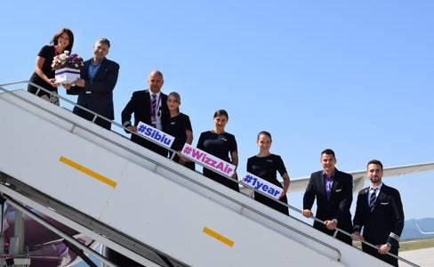 WIZZ, un sfert de milion de pasageri transportaţi din şi spre Sibiu în ultimele 12 luni