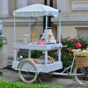 Jubile Catering recomandă petrecerile în grădină cu aer exotic și meniuri personalizate