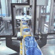 Specialiştii Farmec lansează anual circa 100 de produse