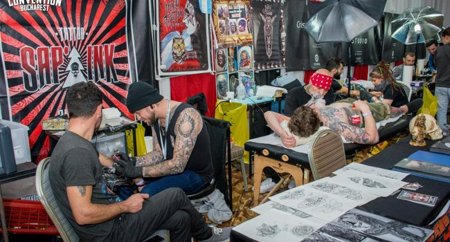 Peste 100 de artiști tatuatori concurează la International Tattoo Convention Bucharest 2017