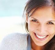 10 sfaturi simple care te feresc de durerea tratamentelor pentru carii de la stomatolog
