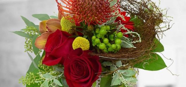 """Floria propune o serie de buchete și aranjamente """"întunecate"""" de Halloween"""