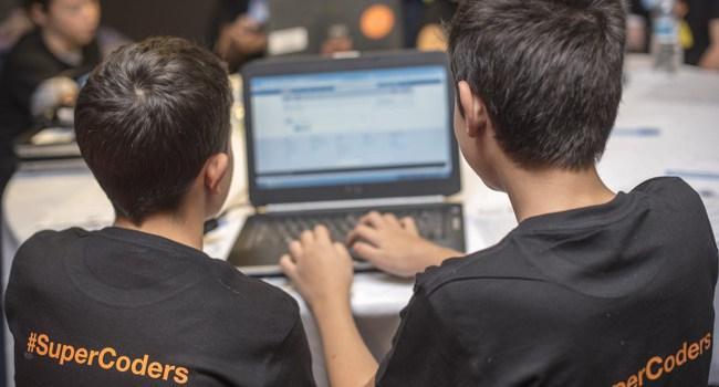Orange România dă startul concursuluiSuperCoders Coding Competition