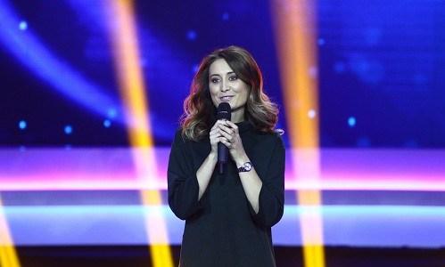 """INTERVIU – Ana Maria Calița,câștigătoarea """"iUmor"""":Relația mea cu Bendeac e strict ce s-a întâmplat pe scenă"""