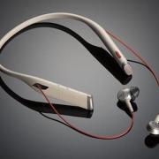 Plantronics a lansat Voyager 6200 UC, primele căşti bluetooth cu suport pentru gât şi auricule