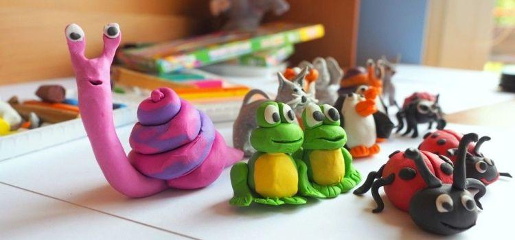 Plastelina, jucăria care îi dezvoltă creierul copilului