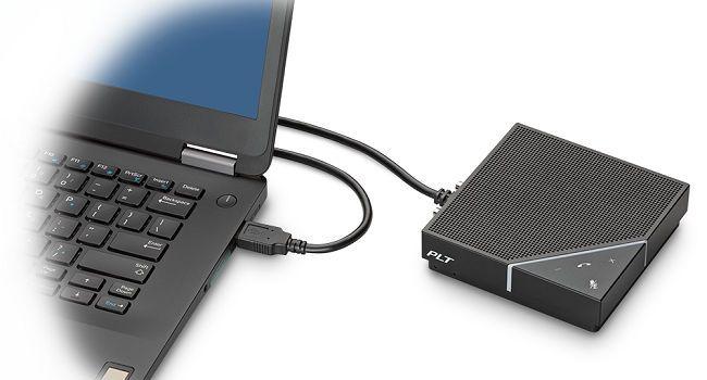 Calisto 7200, speakerphone mobil cu 4 microfoane direcţionale de la Plantronics