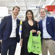Carrefour, primul retailer din România care introduce la nivel național pungi 100% biodegradabile