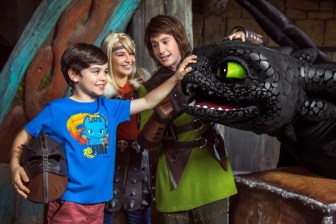 Toothless,-Astrid-&-Hiccup-Meet-&-Greet