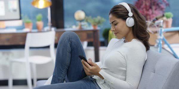 Voi cum vă relaxați pe internet? Ceilalți ascultă muzică și văd filme