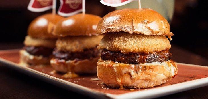Hard Rock Cafe îșiremixează meniul. Ce noutăți aduce?