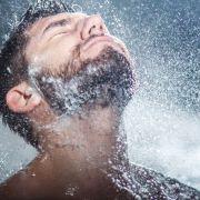 Health Trends: 6 motive pentru sănătatea ta să faci zilnic dușuri reci