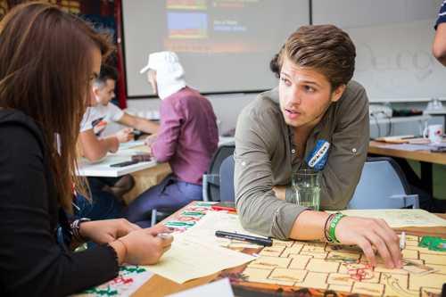 Opt burse pentru liceeni la Spark Week, primul festival de antreprenoriat pentru tineri