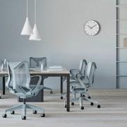 Scaunul Cosm de la Herman Miller a primit premiul Red Dot Best of the Best pentru inovatie si ergonomie