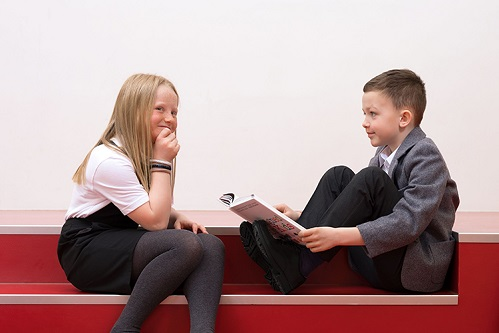 Back to school! Toamna aceasta dăruieşte zâmbete!